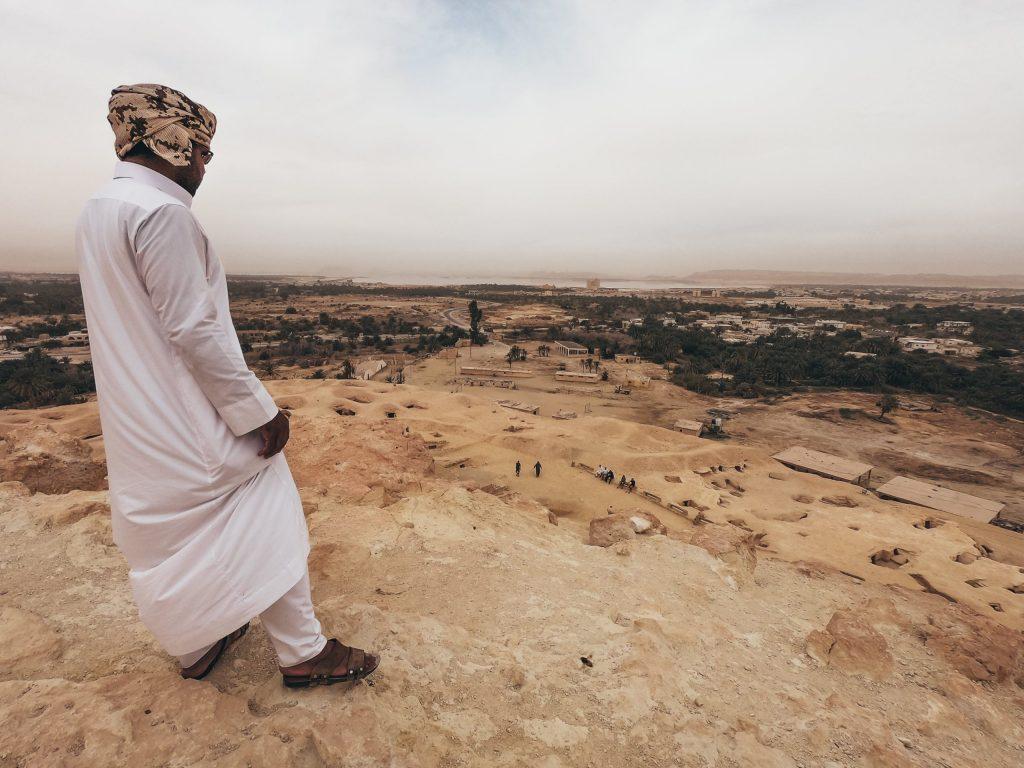 guia en la montaña de la muerte en Siwa