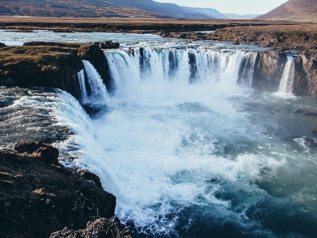 cascada de los dioses en Islandia