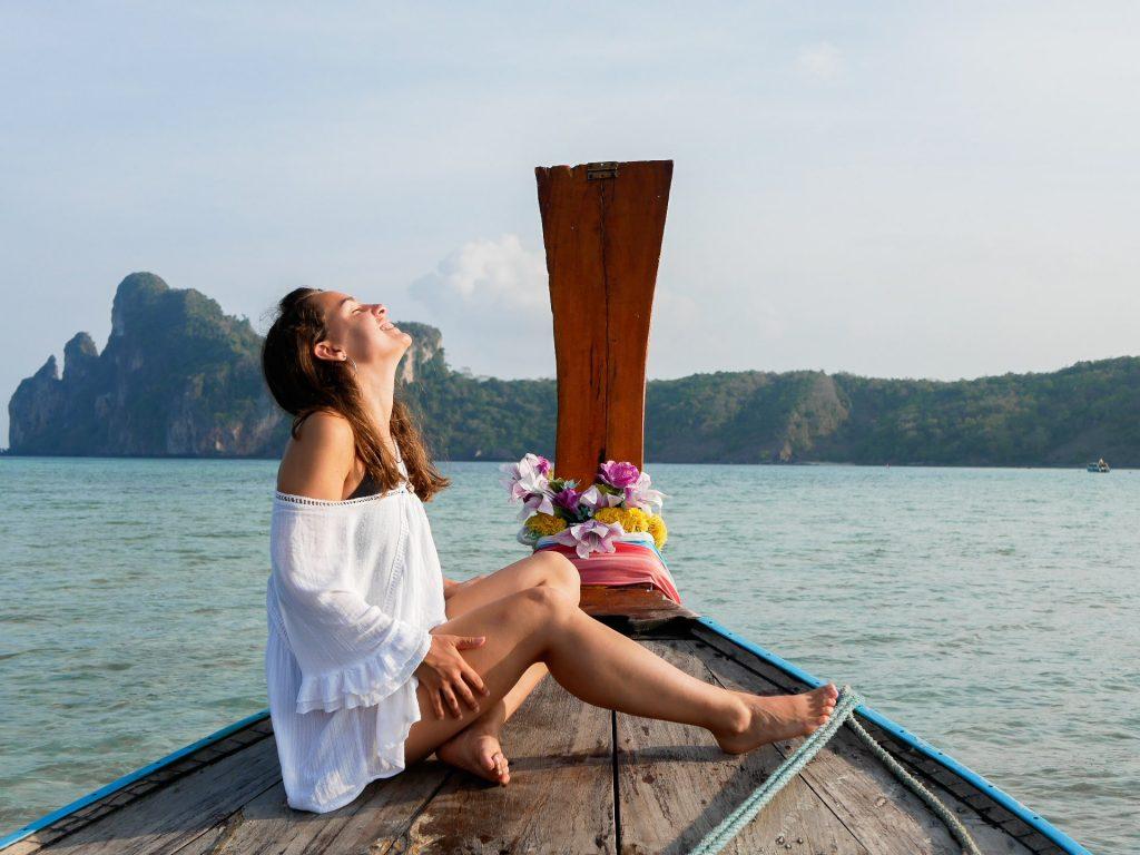 chica en el long trail de las islas Phi Phi