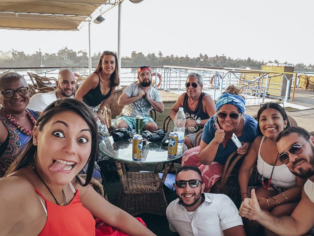 grupo de amigos en el crucero por el Nilo