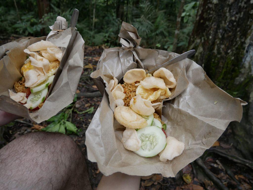 comida durante el trekking de Bukit Lawang