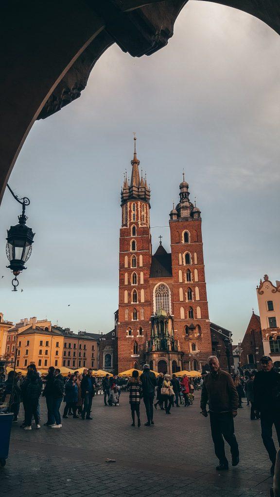 vista de la Basílica de Santa María en Cracovia