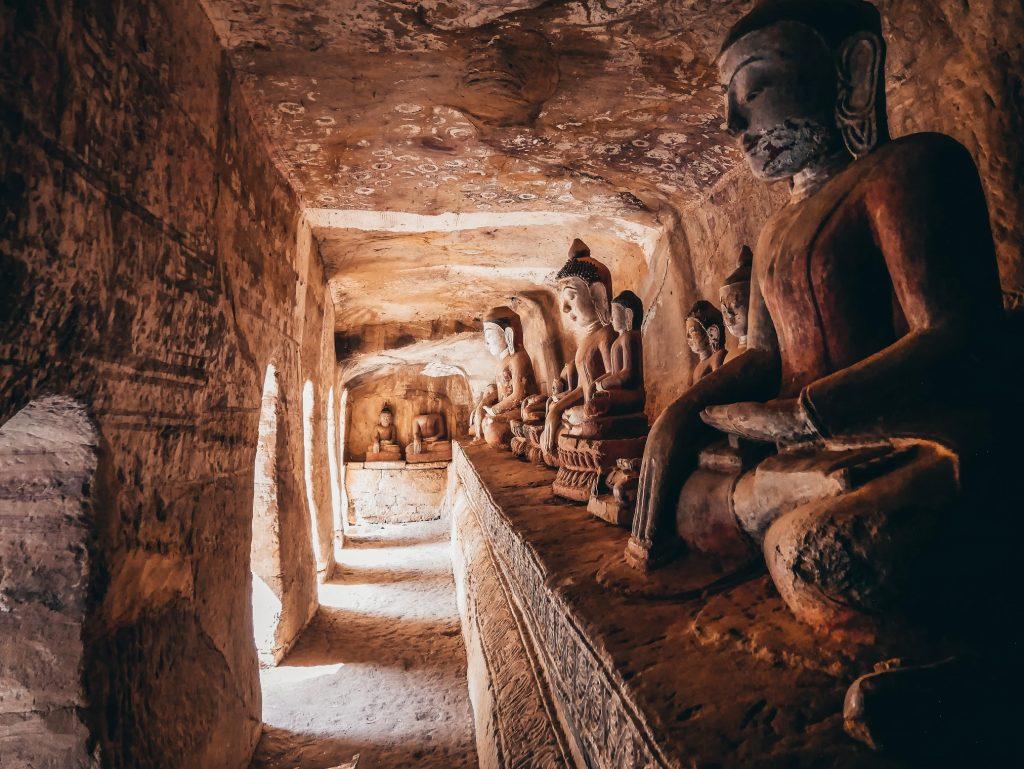 cuevas de Po Win Daung repletas de Budas