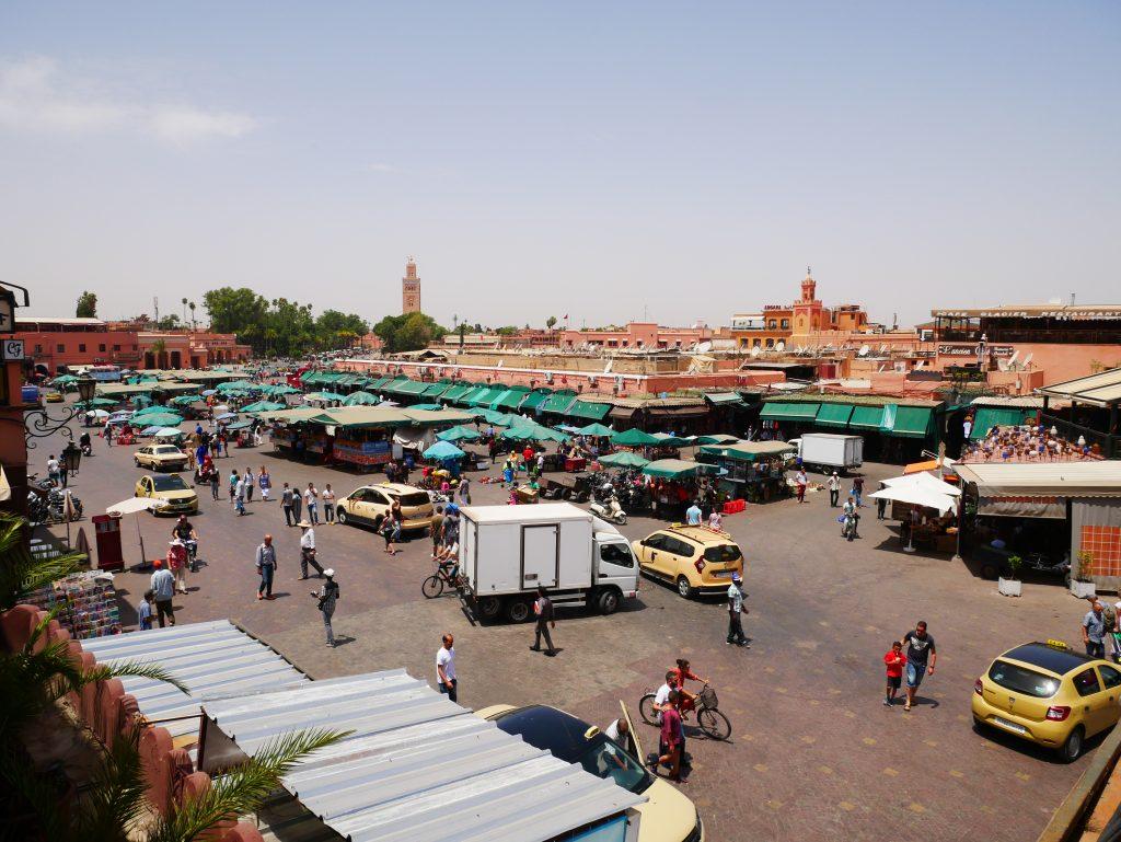 plaza Jamaa el Fna de día Marrakech