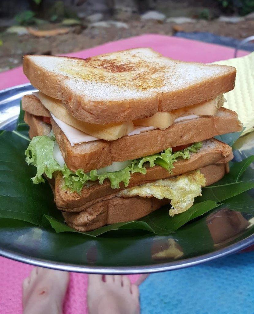 sandwich de tres plantas