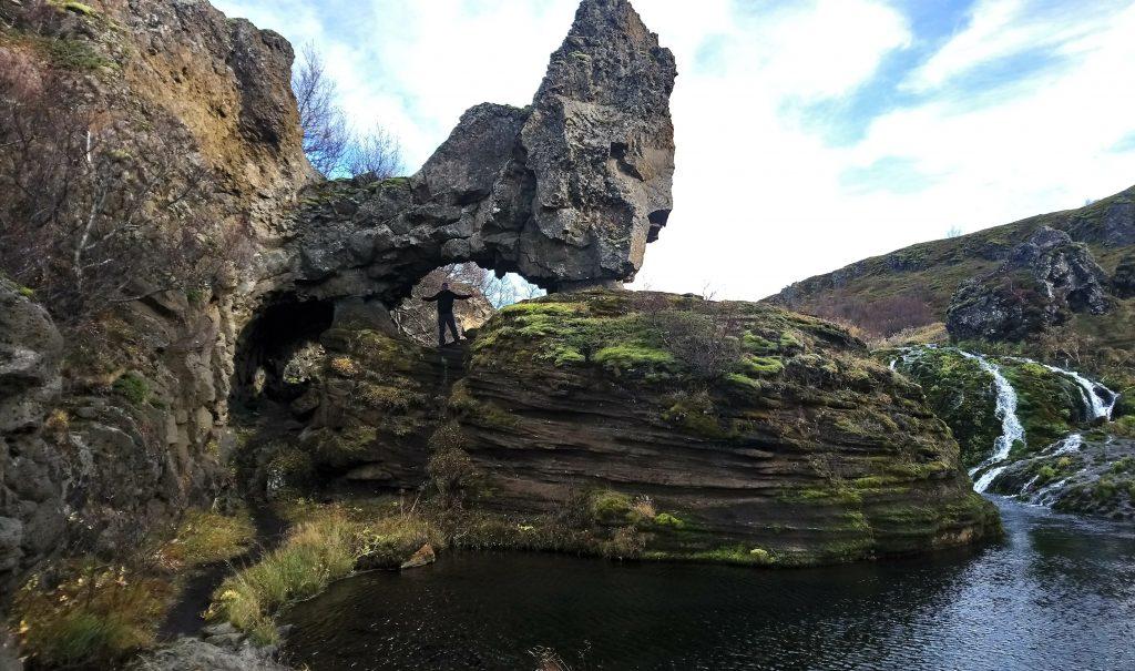 valle y cascadas